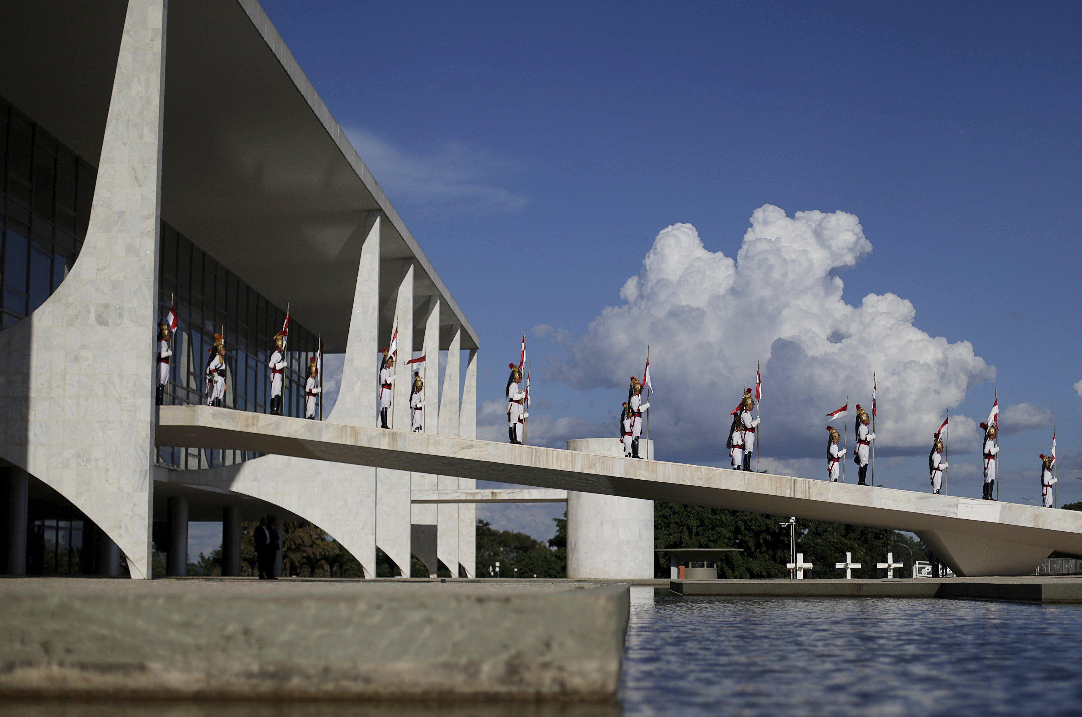 Só o Congresso Nacional e os partidos políticos perdem do Palácio do Planalto / Ricardo Moraes/Reuters