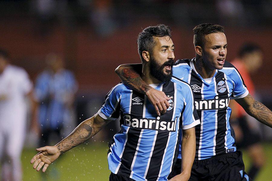 Grêmio ganha da LDU e garante a vaga na Libertadores