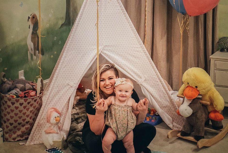 Kelly Clarkson posa ao lado da sua filha River Rose / Divulgação/Instagram