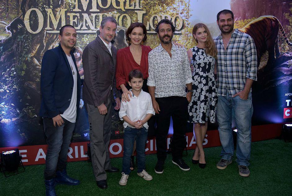 Os dubladores do filme Mogli, reunidos na pré-estreia no filme em São Paulo