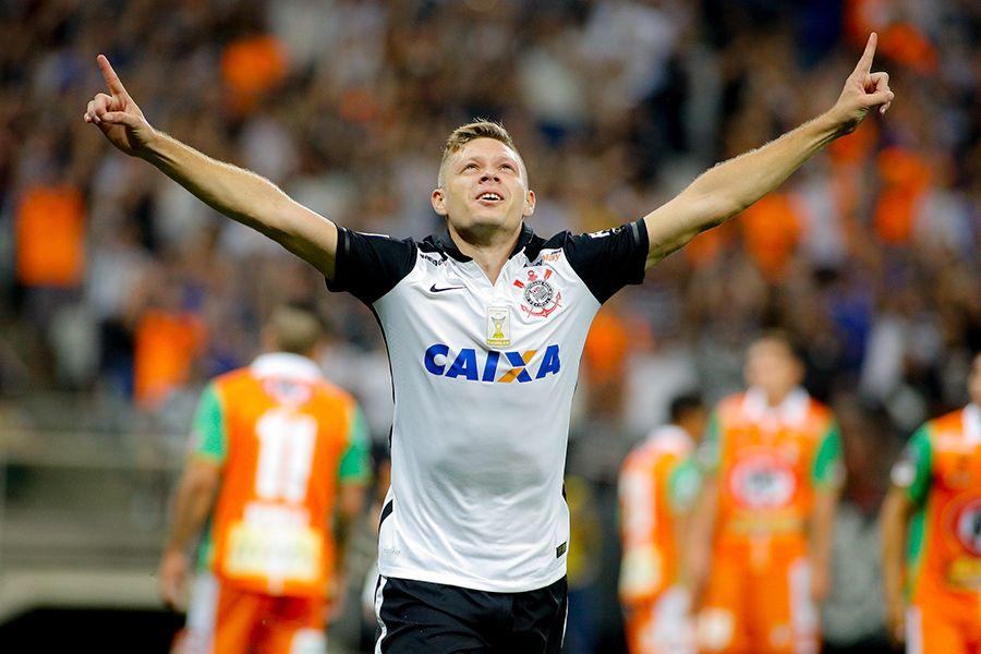 Para liberar Damião, Santos quer Marlone