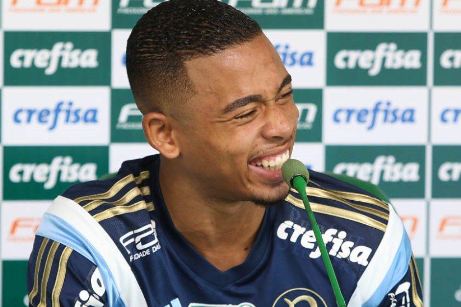 G. Jesus foca no Palmeiras e diz que desconhece proposta