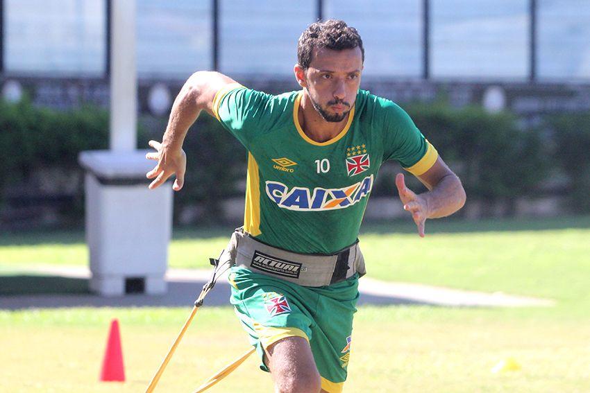 Nenê pede Vasco intenso para superar o Flamengo na semi
