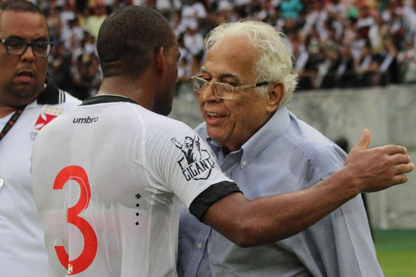 Eurico volta a provocar o Flamengo: não conseguem ganhar da gente