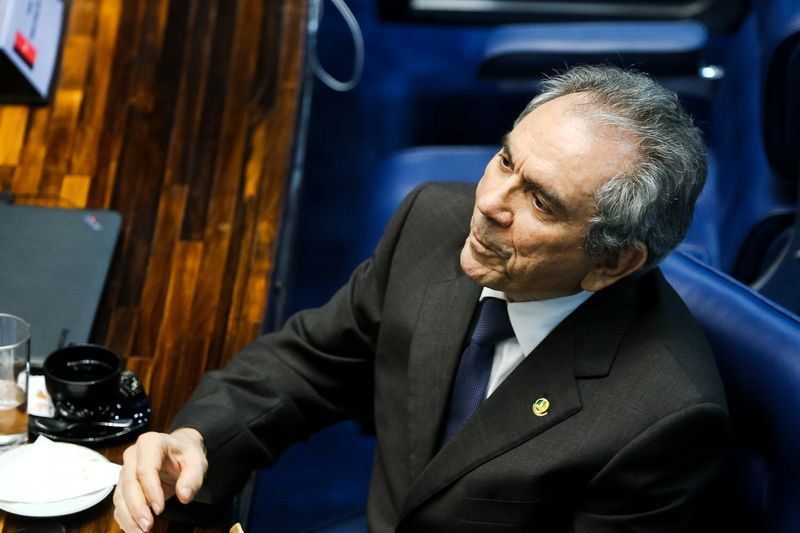 Lira diz que denúncia contra Dilma não pode ser ampliada