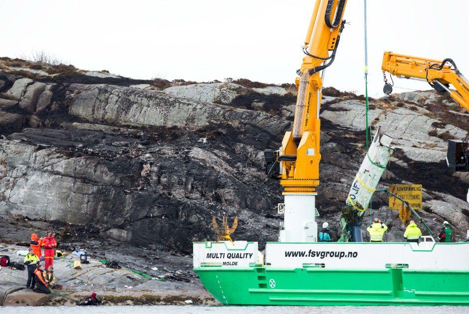 Queda de helicóptero mata 13 pessoas na Noruega