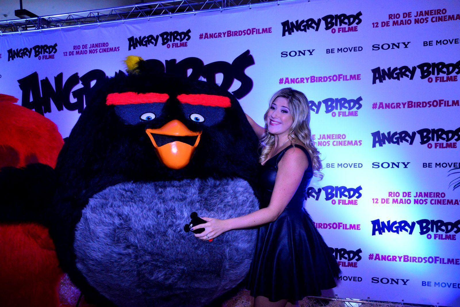 Dani Calabresa e Marcelo Adnet vão à pré estreia de Angry Birds   cinema