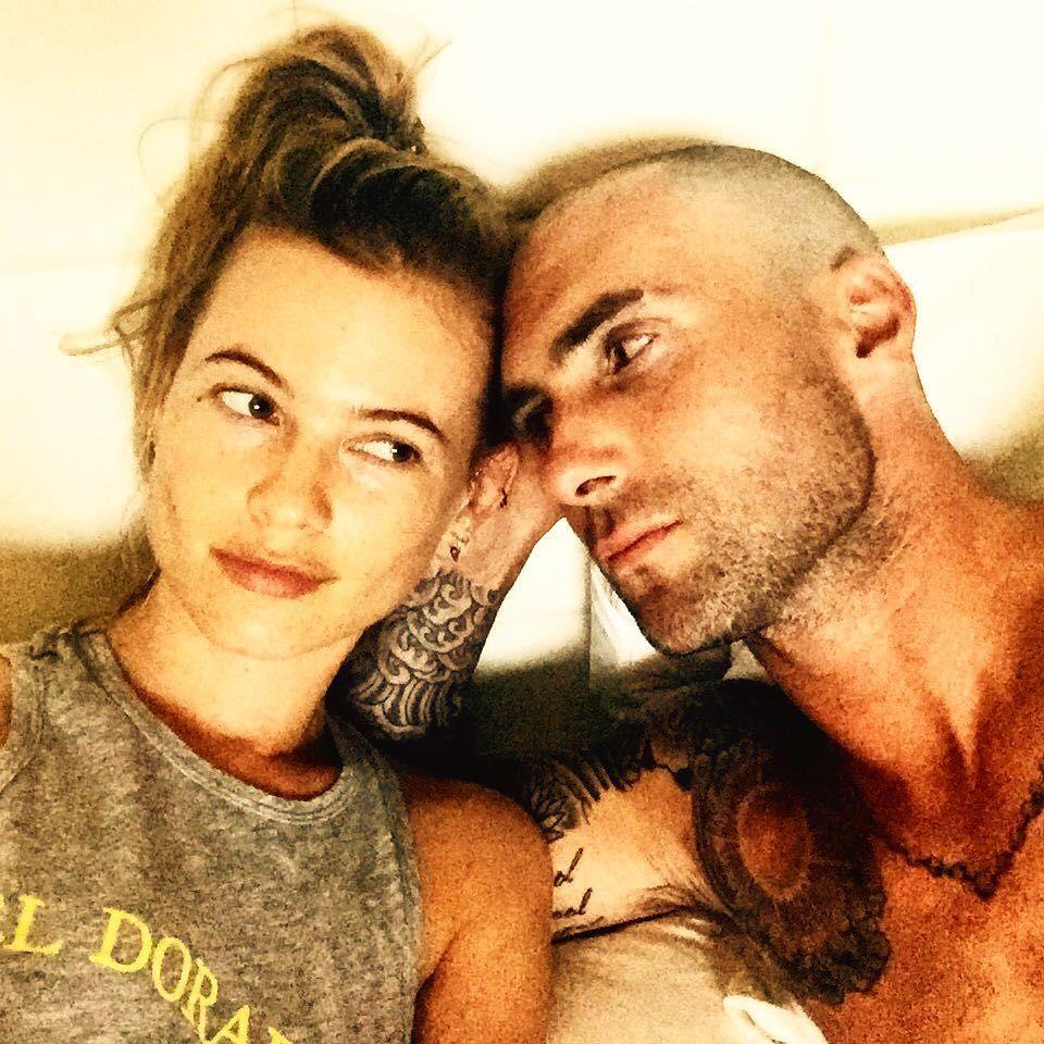 Adam Levine será papai de uma menina