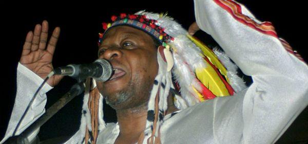 Papa Wemba em apresentação em Kinshasa