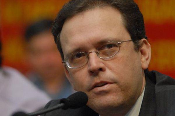 Conti diz que governo editou créditos ilegalmente