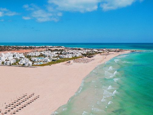 Tunísia recebe o mundo de braços abertos