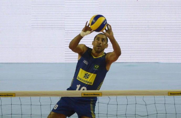 Veteranos, Serginho e Murilo motivam jovens da Seleção