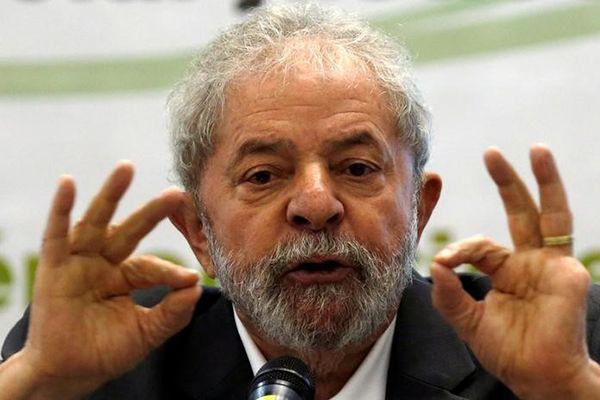 Lula: não tenho que provar que tenho apartamento, mas sim quem acusa