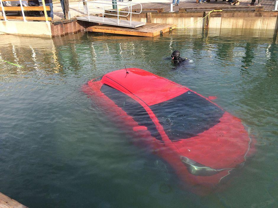 GPS dá instruções erradas e mulher cai em lago no Canadá
