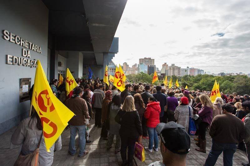 A greve dos professores estaduais segue com uma adesão de 60% a 70%, conforme o CPERS / Reprodução / Facebook