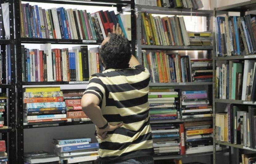 Unesco: 758 milhões de adultos não liam ou escreviam em 2015
