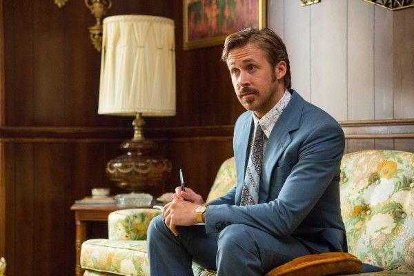 Ryan Gosling diz que lambeu barriga peluda de homem