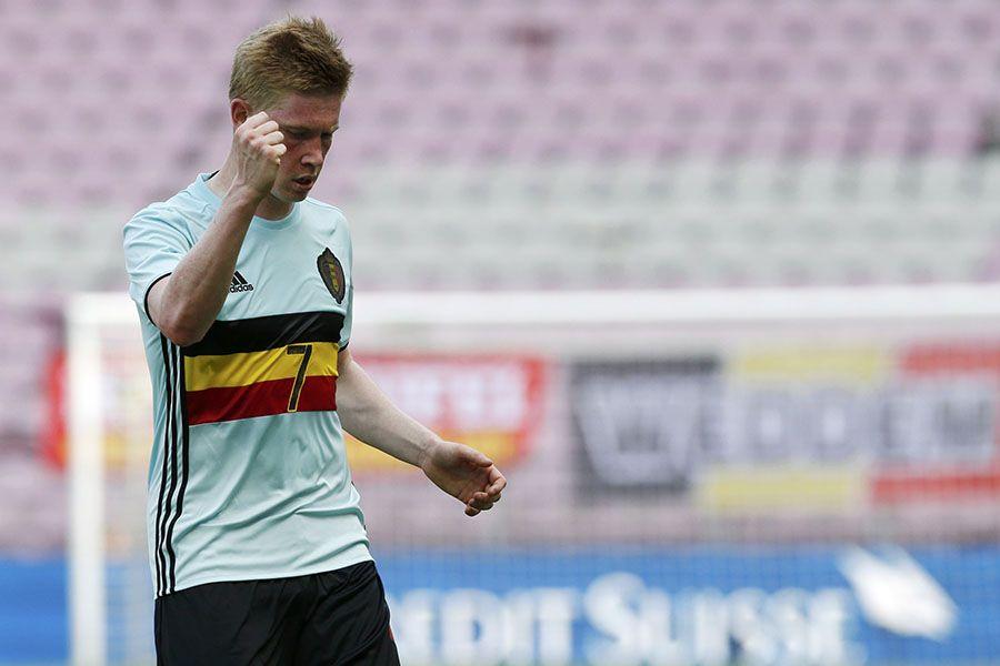 De Bruyne faz golaço e Bélgica vence Suíça em amistoso