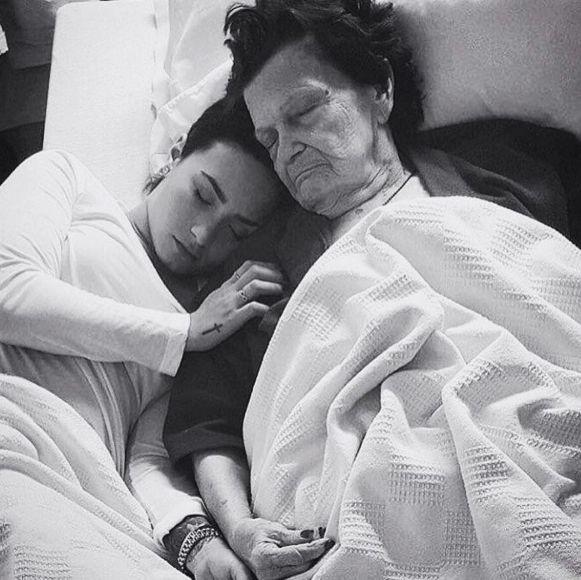 Demi Lovato lamenta a morte da bisavó, de 93 anos