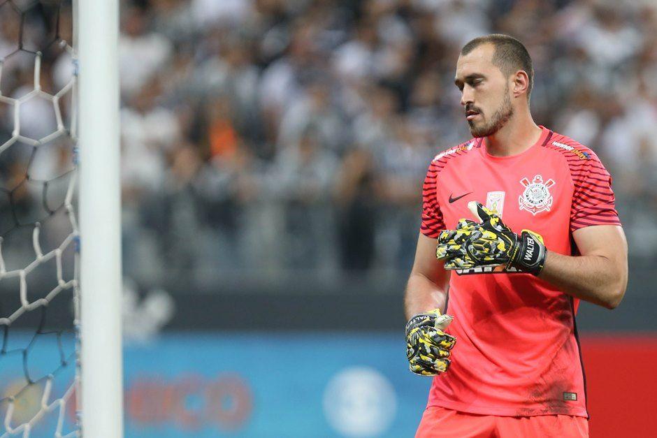 Walter quer vaga na Libertadores para evitar 'pedrada'