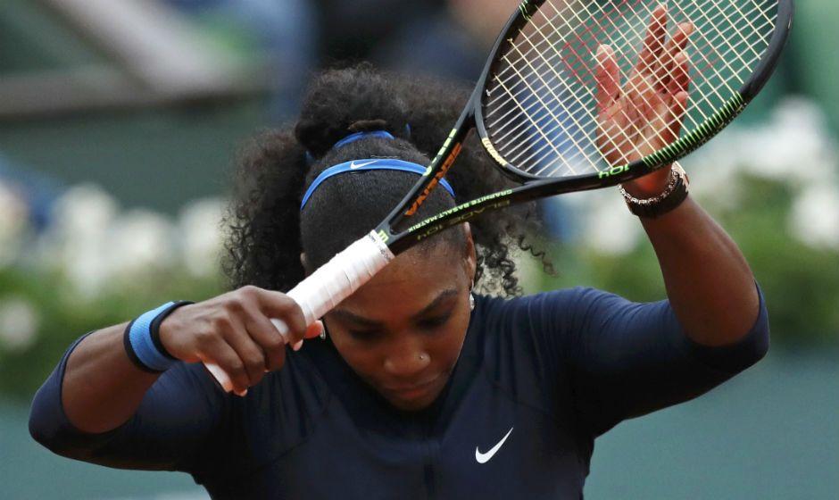 Serena se recupera e vai às semis de Roland Garros