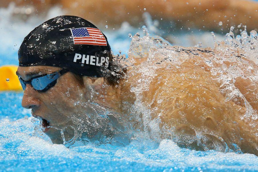 Phelps garante vaga no Rio 2016 e quebra recorde