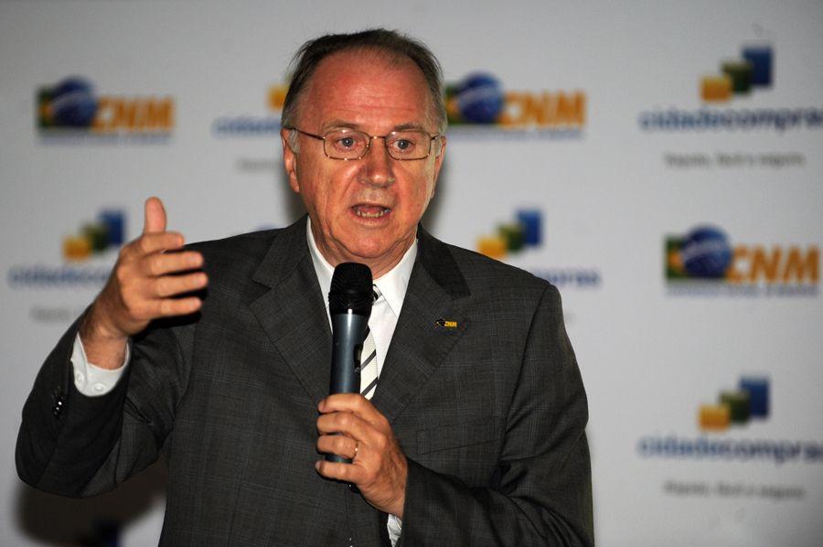 Ziulkoski afirma que as finanças dos municípios estão debilitadas