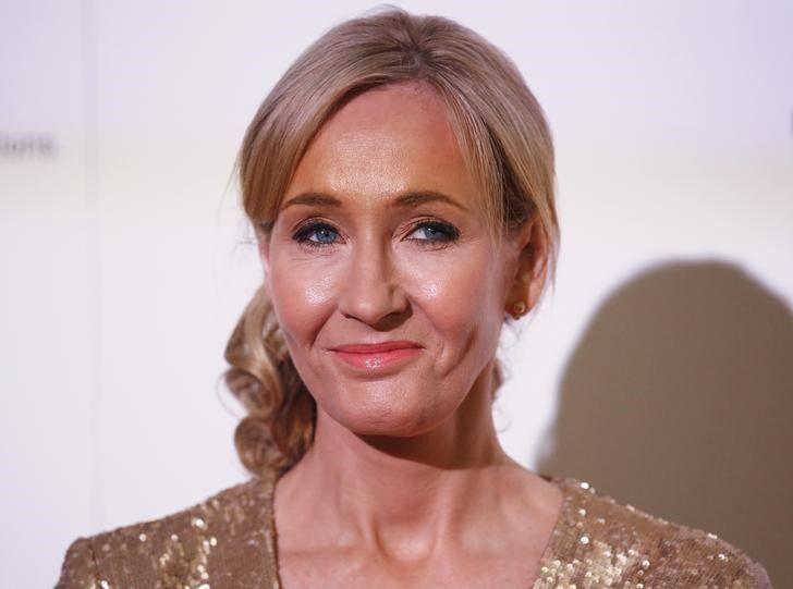 J.K. Rowling responde fã que a criticou no Twitter
