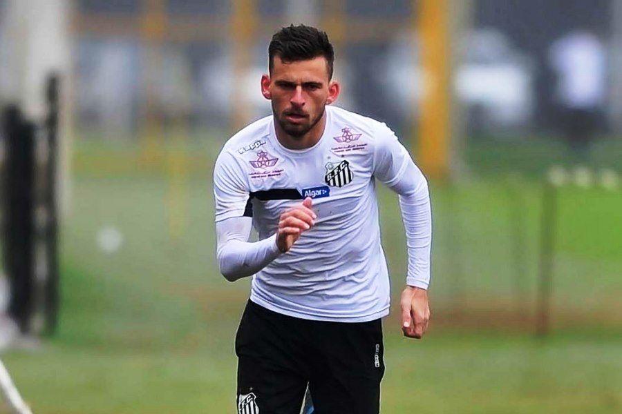 Lucas Lima viaja e deve reforçar o Santos contra o Flu