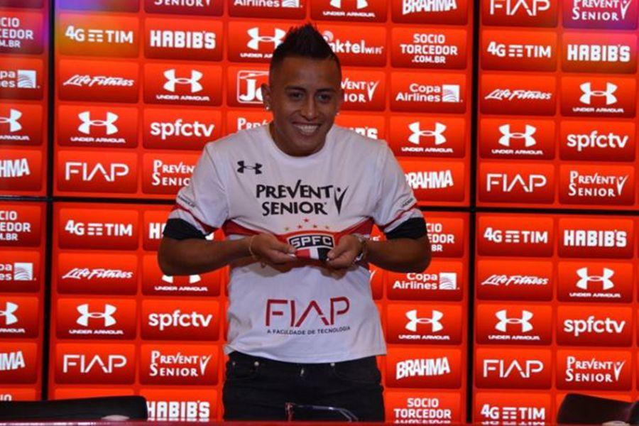 São Paulo aposta na estreia de Cueva contra o Fluminense