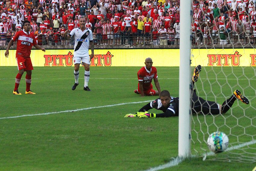 Com gol olímpico, Vasco vence o CRB-AL pela Série B