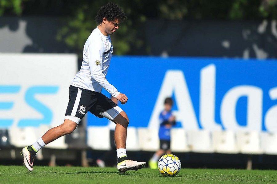 Após reação, Victor Ferraz nega euforia no Santos