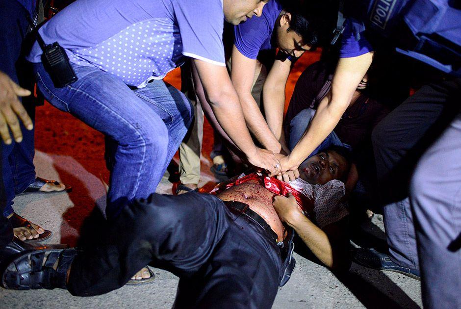 Bangladesh mata mentor de ataque a restaurante em Daca