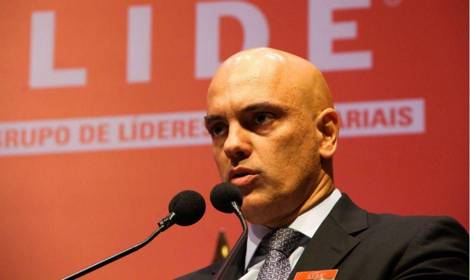 Oposição entrará com representação contra Moraes
