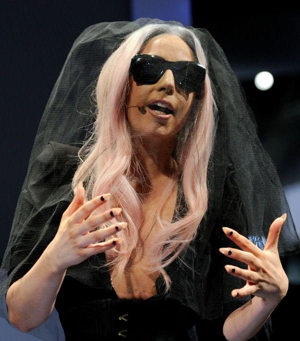 Lady Gaga está noiva