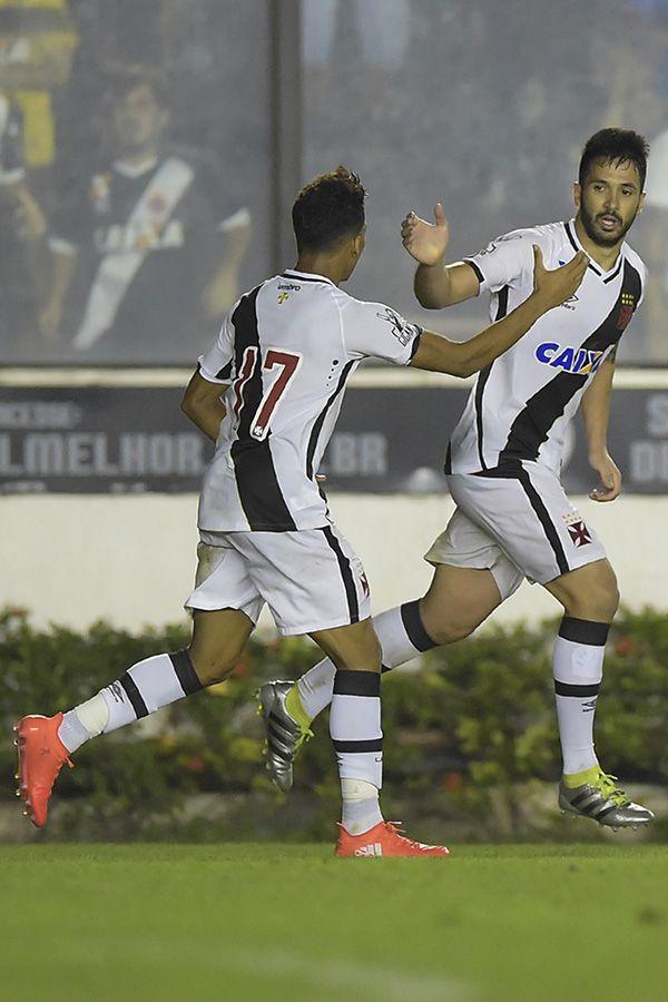 Com gol no fim, Vasco empata com Santa Cruz na Copa do Brasil