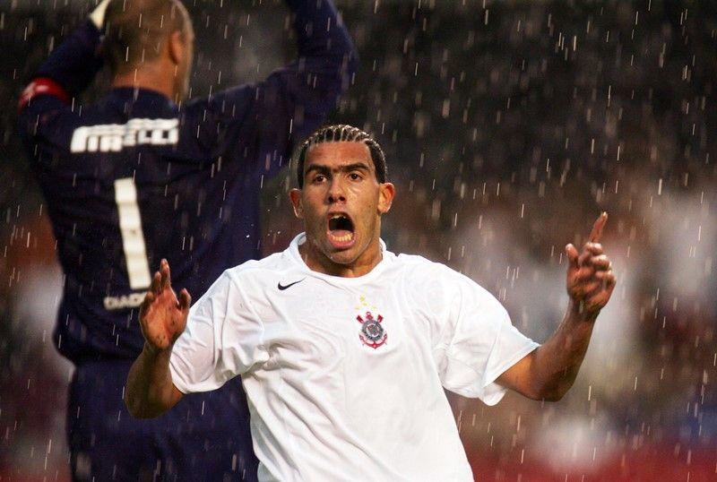 Kia  Tevez não negocia com Corinthians - Band.com.br 57ff1e57b7b45