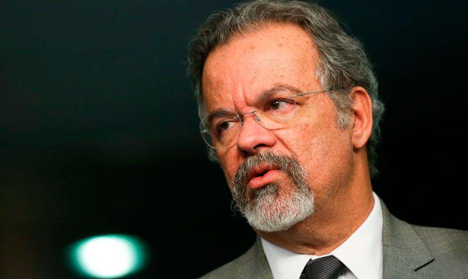 Ministro cobra informações sobre suposto terrorista brasileiro