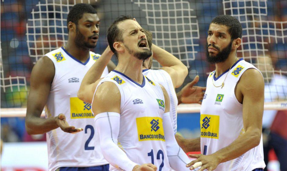 Brasil vira e elimina EUA da Liga Mundial de vôlei