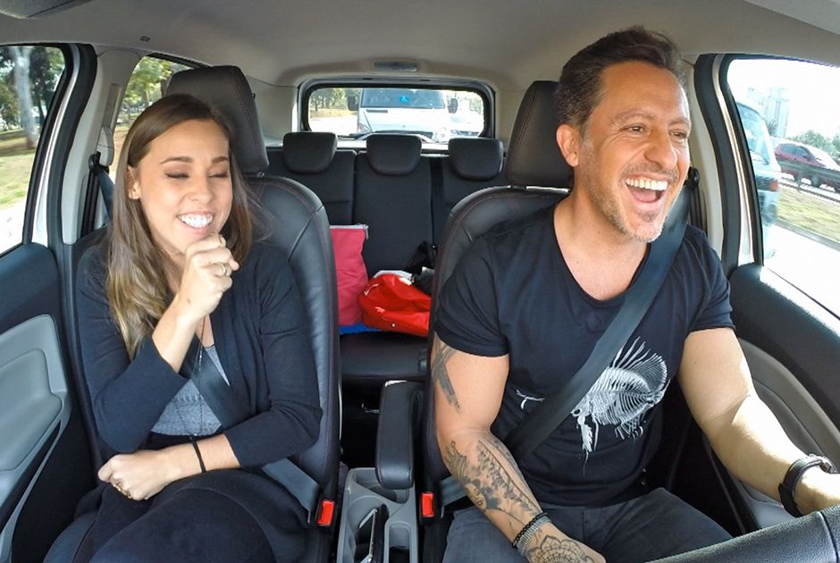 Rick Bonadio e Thati Lopes viajam até Atibaia
