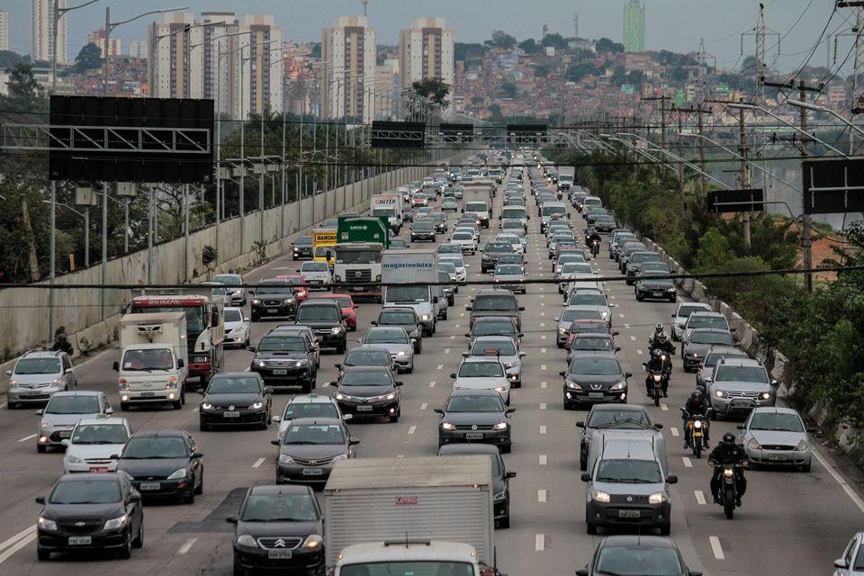 Segundo a OMS, todos os anos aproximadamente 1,3 milhões de pessoas morrem no trânsito / Marivaldo Oliveira/Estadão Conteúdo