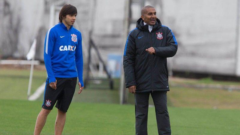Sem Alexandre Pato, Corinthians se 'despede' da Arena