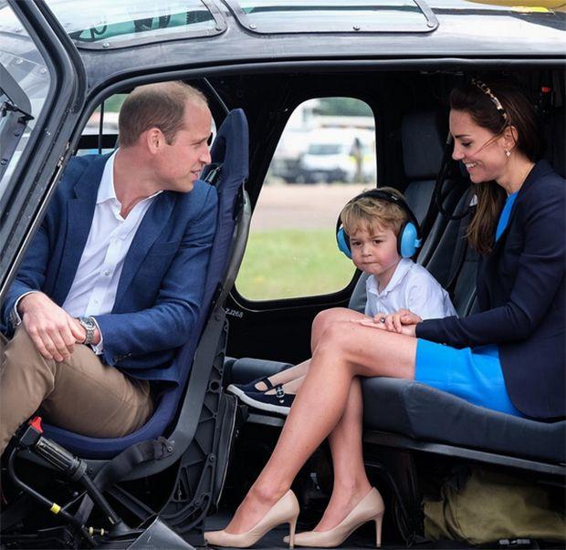 Príncipe William reclama que George ganha muitos presentes