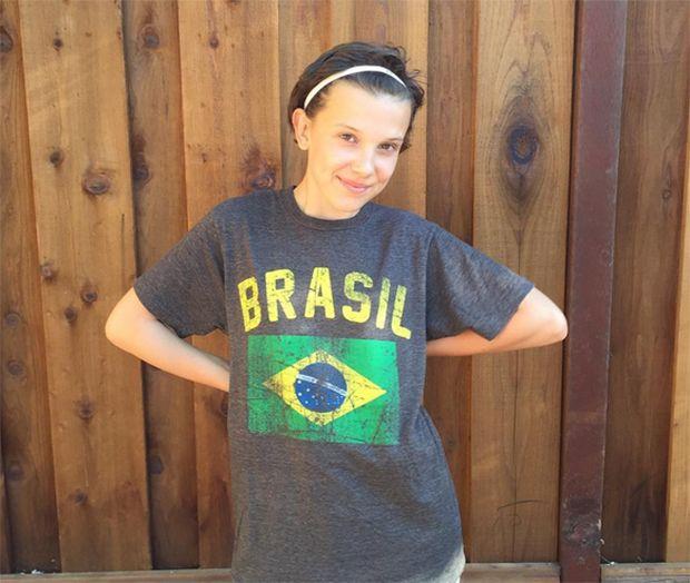 Atriz de Stranger Things manda recado em português para fãs do Brasil