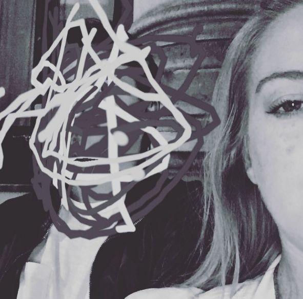 Lindsay Lohan dá barraco com noivo e o acusa de traição