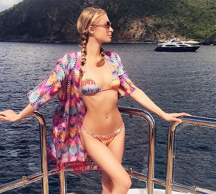 Paris Hilton leva fãs à loucura com foto de biquíni