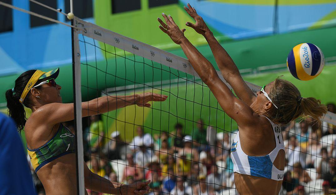Ágatha e Bárbara Seixas encerram dupla após prata