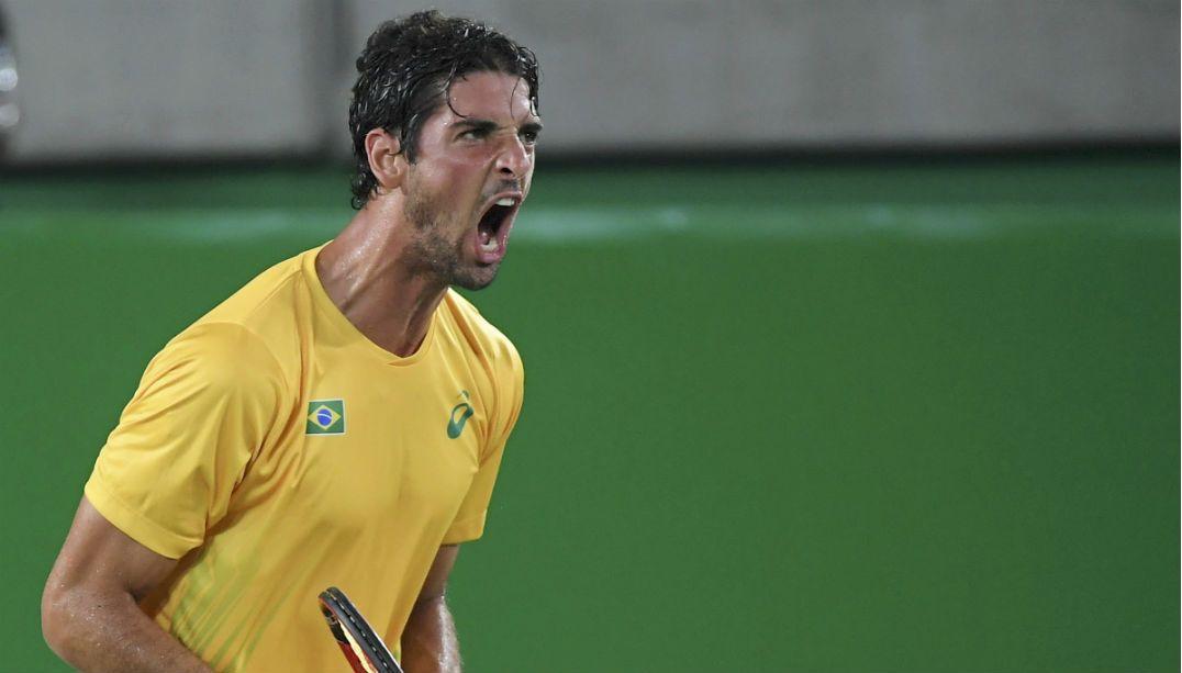 Bellucci vence e se torna esperança de medalha no tênis