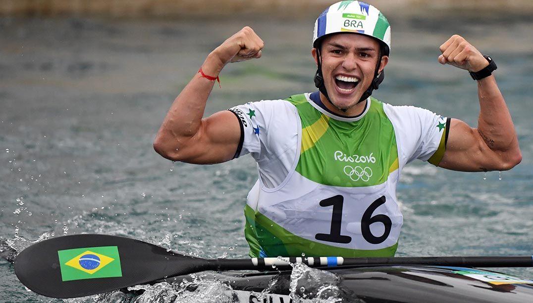 Muso da canoagem seria o affair de Ingrid Oliveira na Vila Olímpica