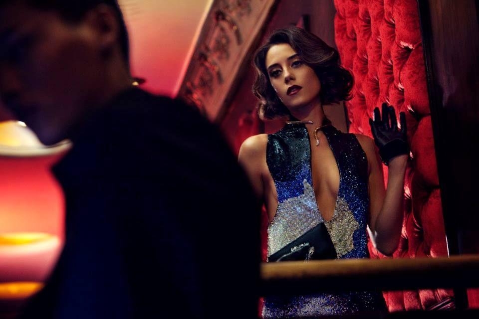 Cansu Dere relembra ensaio para Vogue turca